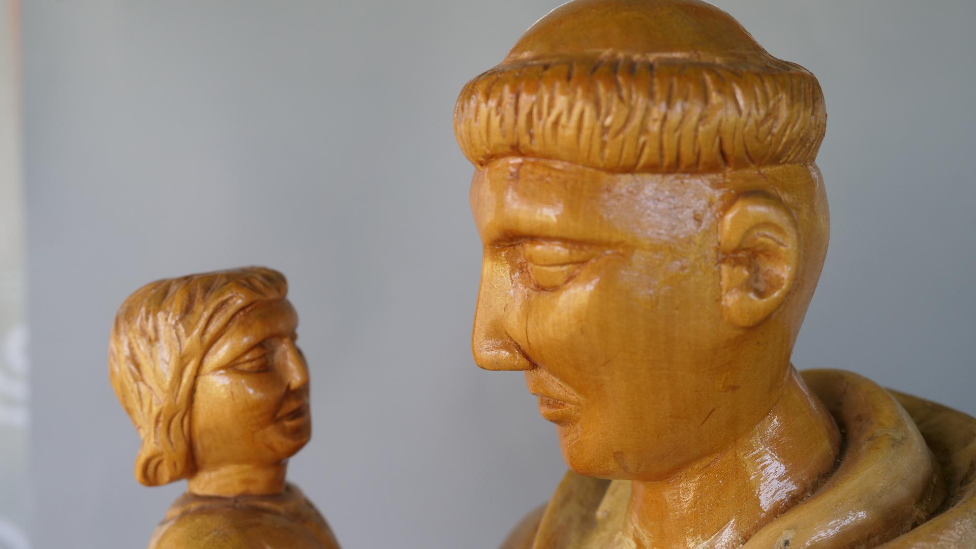 Sakralne rzeźby  Pana Mikołajka
